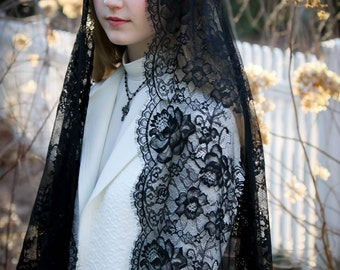 Evintage Veils~ Black Spanish Lace Mantilla Chapel Veil  Mantilla Shawl Wrap