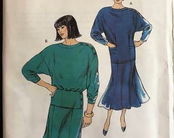 Kwik Sew 1681 - 1980s Loose Fitting Top and Flared Skirt - Size XS S M L
