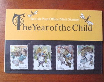 "1979 IMMACULATE UNUSED British Royal Mail (Ser.No.110)Vtg.mint stamps""Year of the CHILD""-4 diff.stamps encl.within card/cellophane.One owner"