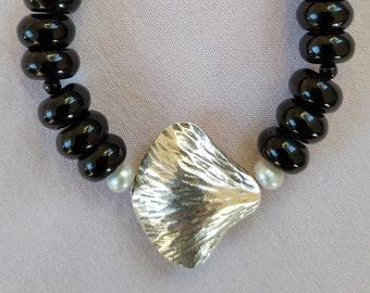 Onyx with silver Gingko leaf