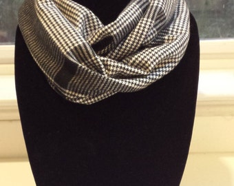 Black and White Houndstooth Plaid Infinity Scarf