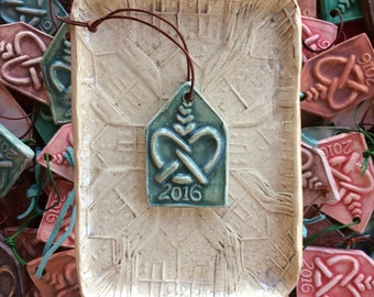Freeport Pretzel handmade christmas ornament : gloss green