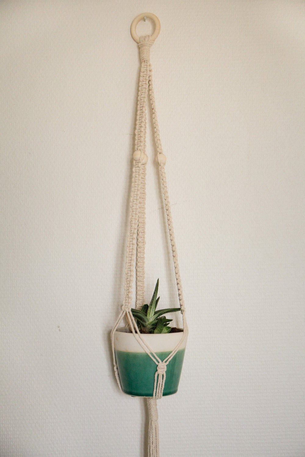suspension macram pour plante macrame plant hanger. Black Bedroom Furniture Sets. Home Design Ideas