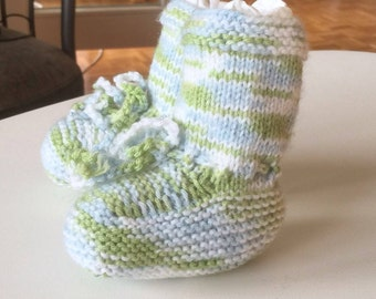 Baby finches baby shoes self-knitted