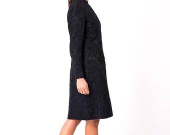 The Vintage Black Floral Indented Long Sleeve Shift Dress