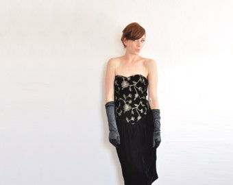 metallic gold embroidered black velvet dress . strapless sweetheart cocktail party .medium .donate good cause .sale s a l e