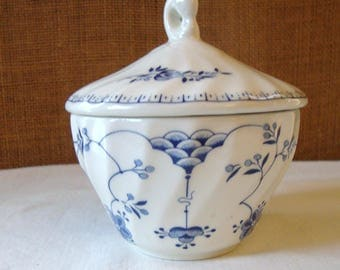 Vintage CHURCHILL SUGAR BOWL Covered White With Blue Finlandia Pattern Sweet Sugar Bowl