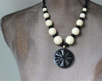 WOWZA, Deco Necklace Black Cream Jewelry, SUPER Chunky Bakelite Necklace Beaded, Large Pendant Statement Necklace Bakelite Jewelry veryDonna
