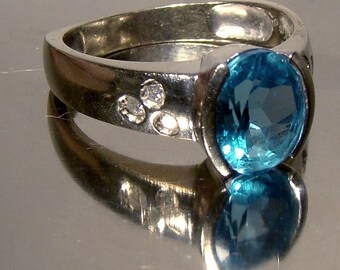 10k White Gold Blue Topaz Ring with Diamonds 10 K Size 8