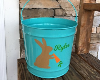 10 Quart Personalized Easter Bucket; Personalized Easter Bucket; Easter Bunny w/Carrot Bucket