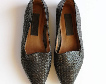 Women's Woven Black Leather Loafers   Size 6