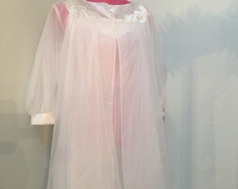 Gossard Artemis Peignoir 1960's Nightgown and Robe Set