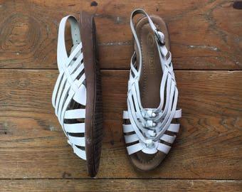 Vintage White Huarache Sandals   US 7.5   UK 5.5   Euro 38   1980's