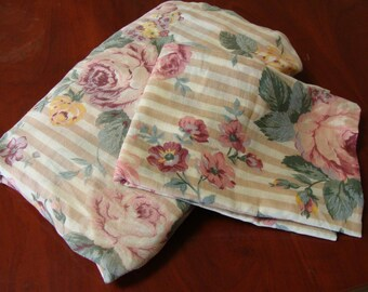 Full size flat sheet and standard pillowcase/Shabby Chic/Cabbage Roses