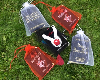 Personalized compact velvet book clutch TWILIGHT by  Stephenie Meyer - 21 x 13 cm - black color book purse