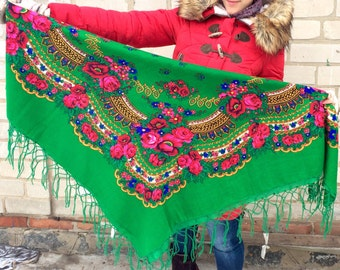 SALE Big Ukrainian japan green shawl Russian Wool Tablecloth romanian Floral With Tassels Babushka Russian boho bohemian shawl