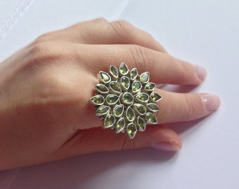 Natural Peridot Flower Ring . Vintage . Sterling Silver