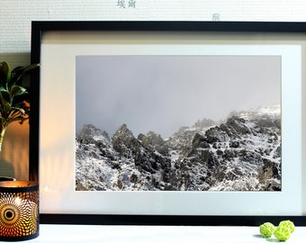 Photograph of the New Zealand South Island mountains