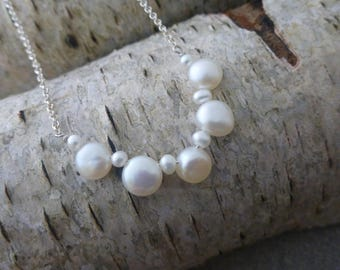 Coin pearl short necklace/ Pearl silver necklace/ Bridal jewellery