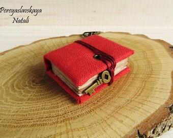Mini notebook handmade fabric cover, book keychain, keychain notebook, small notebook pendant with fabric cover, mini hardcover book