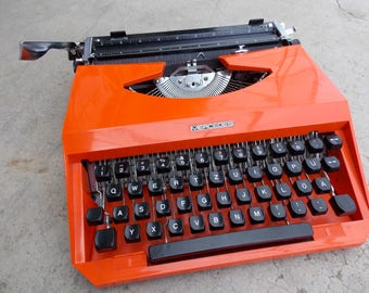Working typewriter Mercedes with case, vintage manual typewriter, Neon Orange typewriter, Home decor, office decor, gift idea, made in Italy