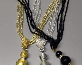 Easy: 2 very fine Pearl Necklace pendant Murano glass beads.