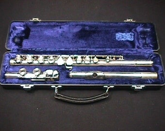 Artley Model 18-0 Flute in a Hard Shell Case & Ready to Play as-is