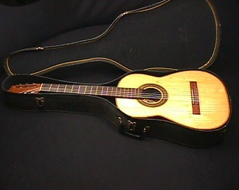 Casa Ricardo Solid Wood Classical Guitar in a Chipboard Case & Ready to Play as-is