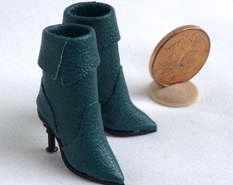 stylish leather boots with high heels, 1/12 scale