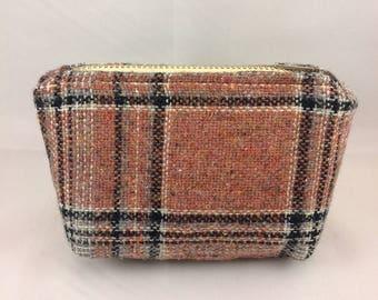 small tartan coin purse, small plaid zipper pouch, vintage tartan wool, repurposed vintage, tartan bag, plaid bag, small coin purse