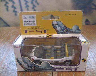 Disney parks WDW Epcot Test Track 1/64 Scale Die Cast GM Ride Vehicle - S64 Test - Never Taken Out Of Box