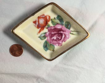 Ardalt Lenwile 6139 Occupied Japan vintage hand-painted diamond-shaped dish with gold rim