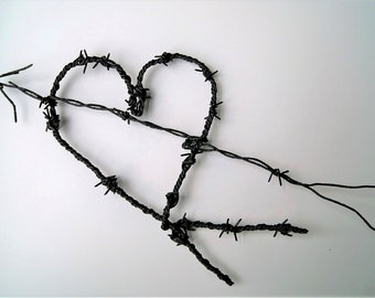 Barbed Wire Heart - Vintage Barbed Wire Heart - Valentine Heart - Wire Spiked Heart - Black Heart - Gothic Wedding - Country Western Heart