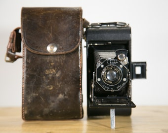 Kodak Junior Six-20 II Art Deco Folding Camera with Case #F10