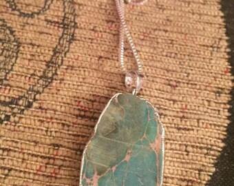 Agate quartz green and silver pendant on chain