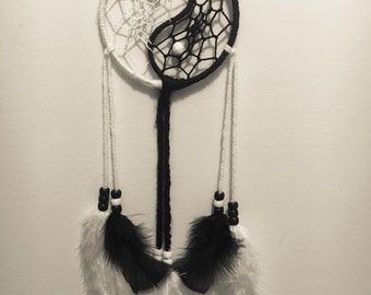 Small Black & White Yin and Yang Dreamcatcher / Yin Yang Dreamcatcher / Black Dreamcatcher / White Dreamcatcher / Yin and Yang