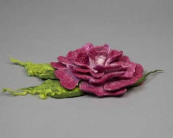 Brooch / Handmade felted Brooch / Merino Wool / felted rose / Felted flower / Wool flower /  raspberry  rose/ Free shipping.