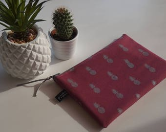 Raspberry cover printed silver pineapple