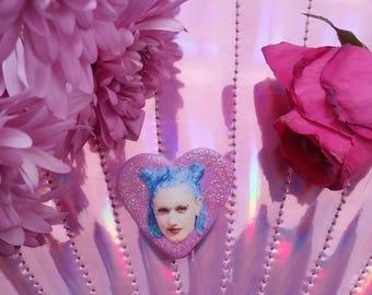 90s Gwen Stefani Glitter Heart Pin