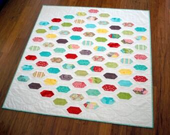 """Hexagon, Lozenge PDF Quilt Pattern - """"Cough Drop"""". Pre-cut friendly, beginner friendly. Baby or Lap Quilt plus Mini Quilt."""