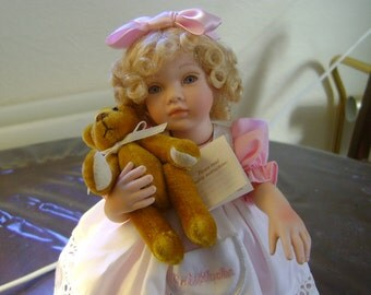 "ADORABLE VINTAGE ""GOLDILOCKS"" Porcelain Articulated Doll holding Teddy  on Plynth-Adult Collectable"