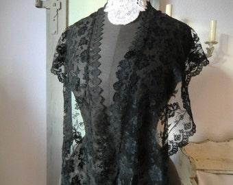 Delicate roses vintage tulle lace of black large lace Pellerine Mantilla antique lace collar-boudoir dark shabby chic decoration