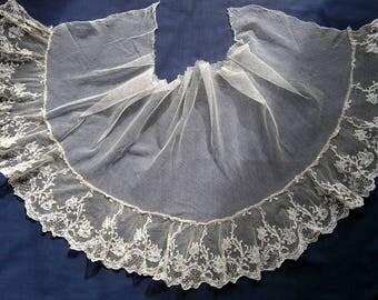 Mid Victorian cape collar, Brussels muslin appliqe lace edge.circa 1850