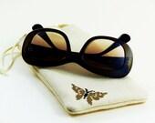 Etui à lunettes, molletonné, doublure spéciale verre, cordon de serrage, broderie manuelle, point de croix, natté de coton