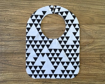Feeding Bib, Baby Bib - Black & White Triangles