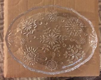 "Beautiful Mikasa Crystal Oval Dish Holiday ""Snowflake"" Design 9 1/4"".  M-140"