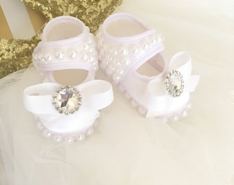 Pearl baby shoes, baptism shoes wedding shoes christening shoes for girls, girl booties