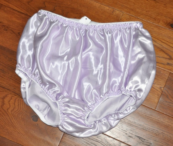 EE 33 - XL Soft satin panties in lilac, lace free sissy wear, Sissy Lingerie