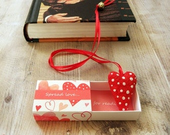 Red heart bookmark, paper mache bookmark, matchbox gift, unique bookmark, gift for her, valentines day gift, for mom, gift for reader