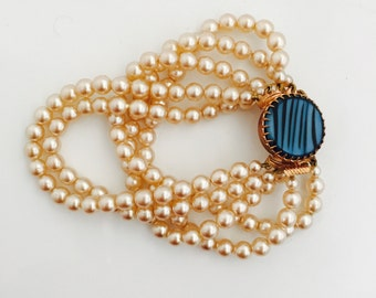 Vintage Multi-strand Pearl Bracelet.